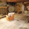 <h3>L'intérieur de la maison de Peter et de sa mère (le plancher a servi a construire la proue du navire ou est situé le bureau de Crochet)</h3>